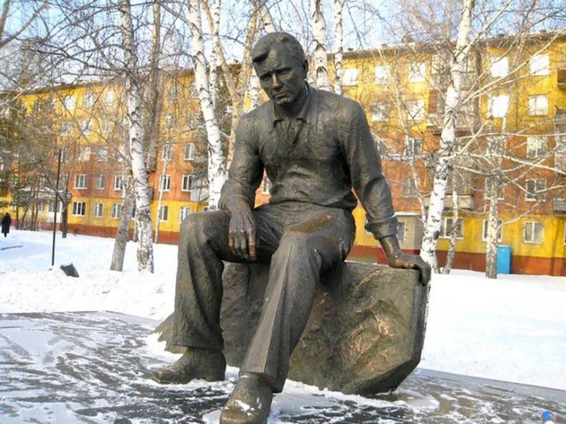 Памятник В.М. Шукшину
