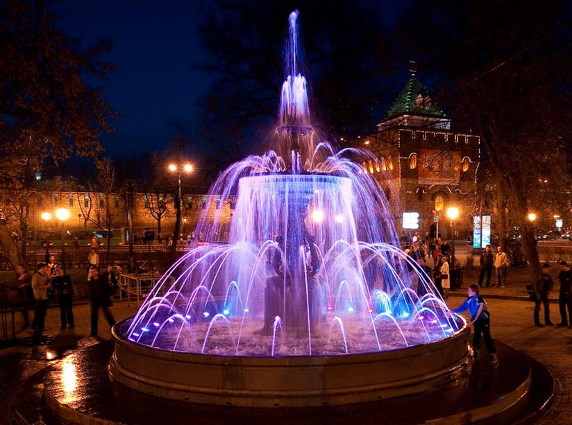 Фонтан на площади Минина и Пожарского