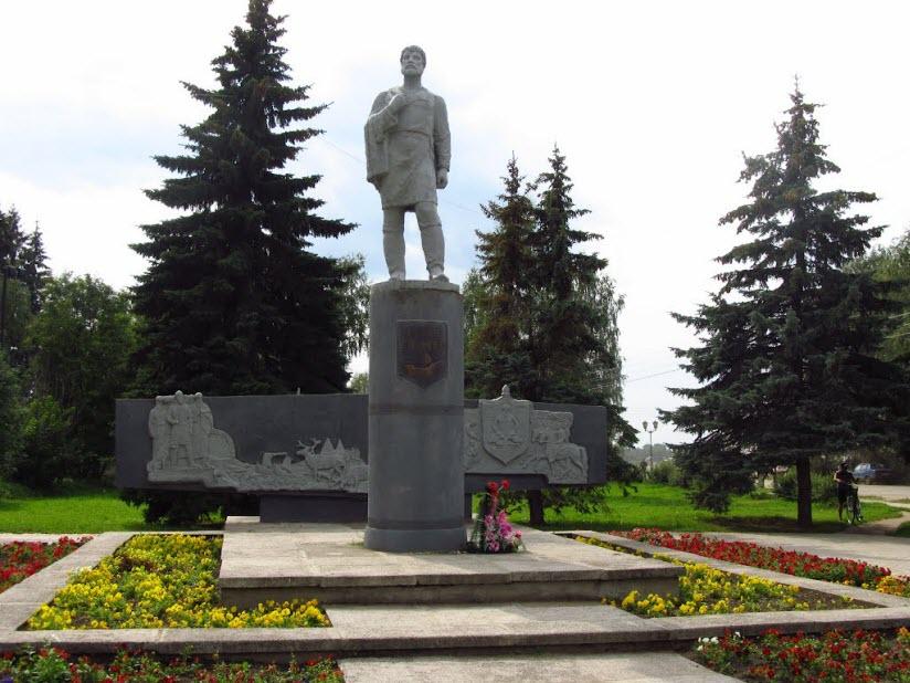 Памятник С. Дежневу