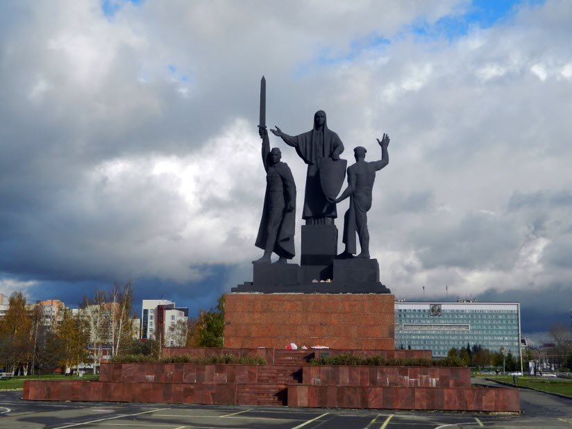 Памятник героям фронта и тыла