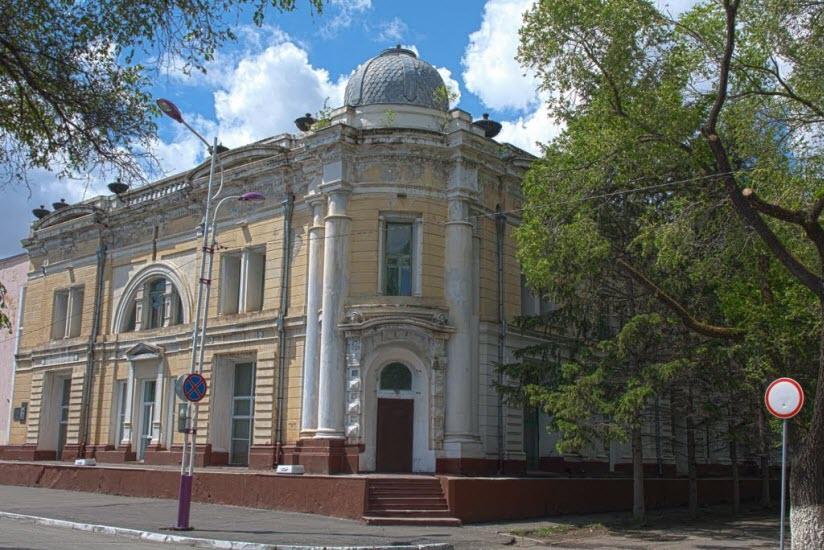 Здание центра эстетического воспитания