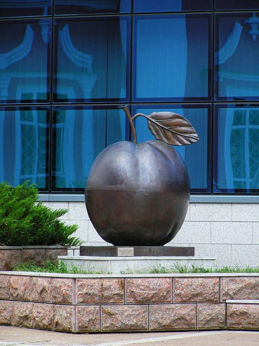 Памятник Антоновке