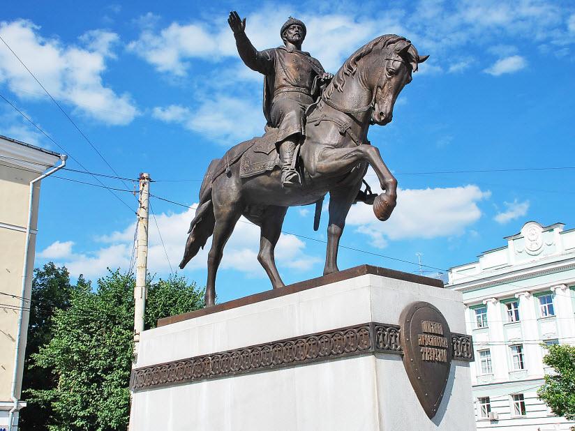 Памятник князю Михаилу Ярославичу