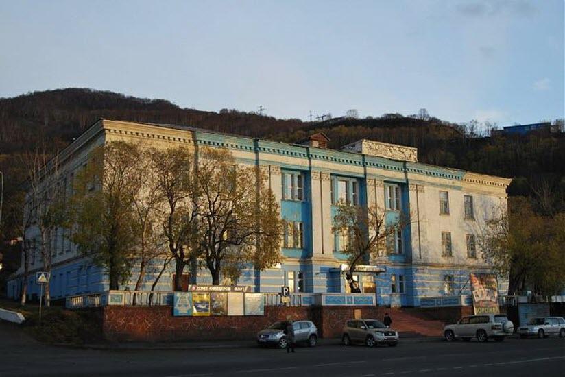 Здание офицерского клуба