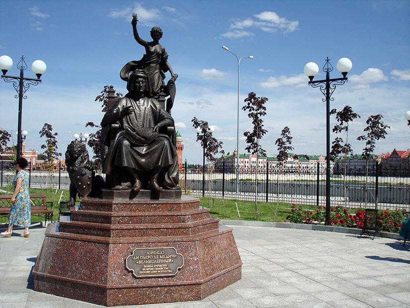 Памятник Лоренцо Медичи
