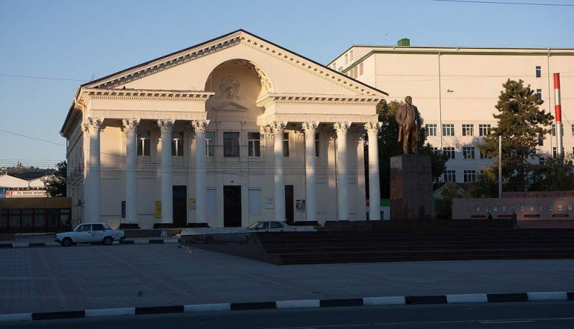 Здание городского дворца культуры
