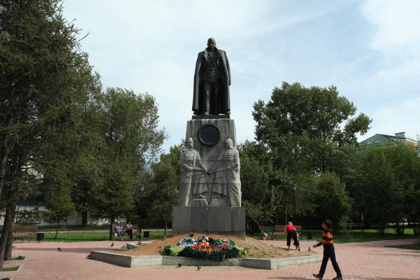 Памятник А.В. Колчаку