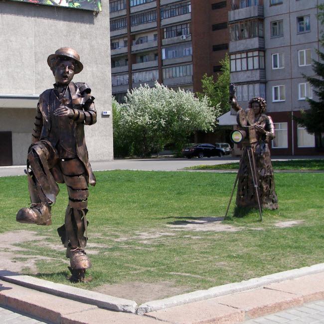 Памятник Чаплину
