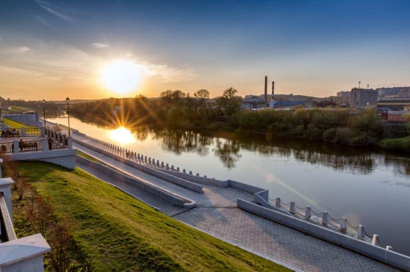 Набережная реки Днепр