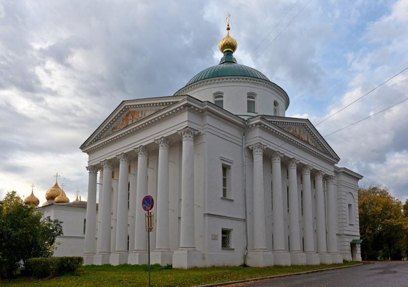 Церковь Илии Пророка и Тихона