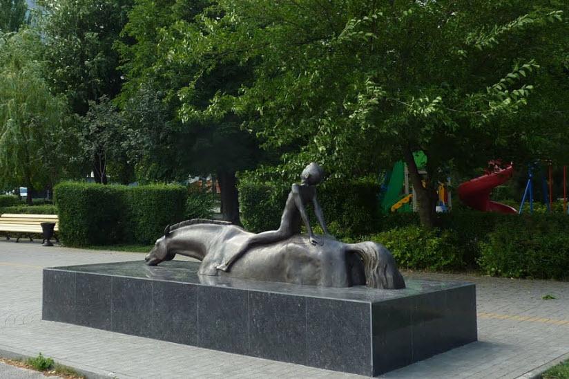 Композиция «Купание коня»