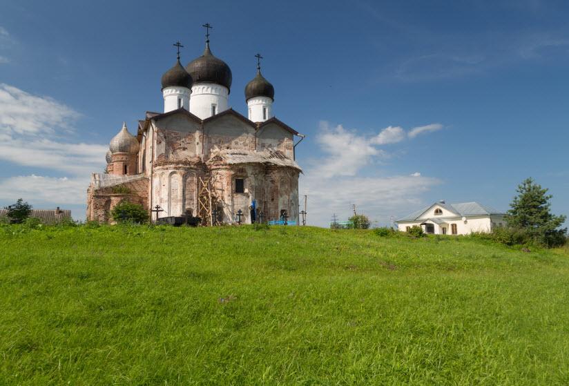 Михайло-Клопский монастырь