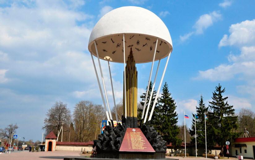 Памятник псковским десантникам