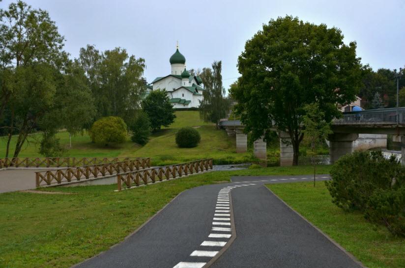 парк реки Псковы
