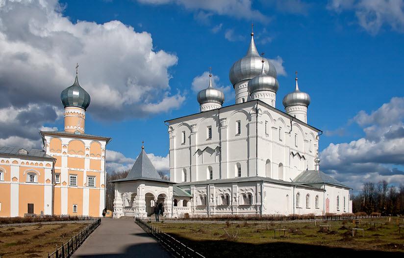 Варлаамо-Хутынский Спасо-Преображенский монастырь