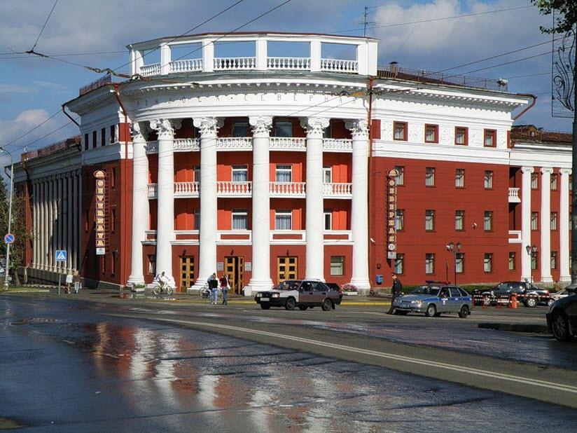 Здание гостиницы Северная