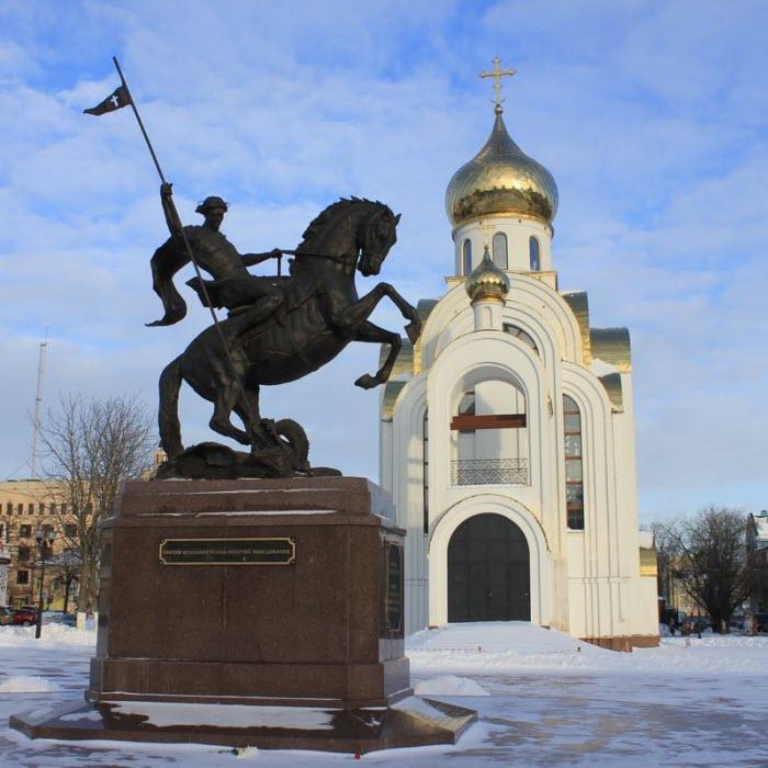 Архитектурная композиция на площади Победы