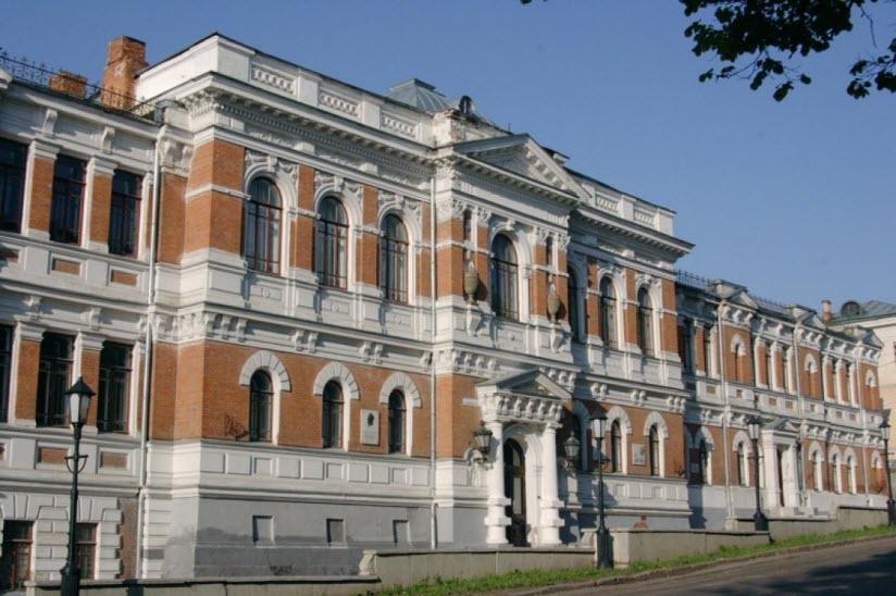 Здание художественного училища