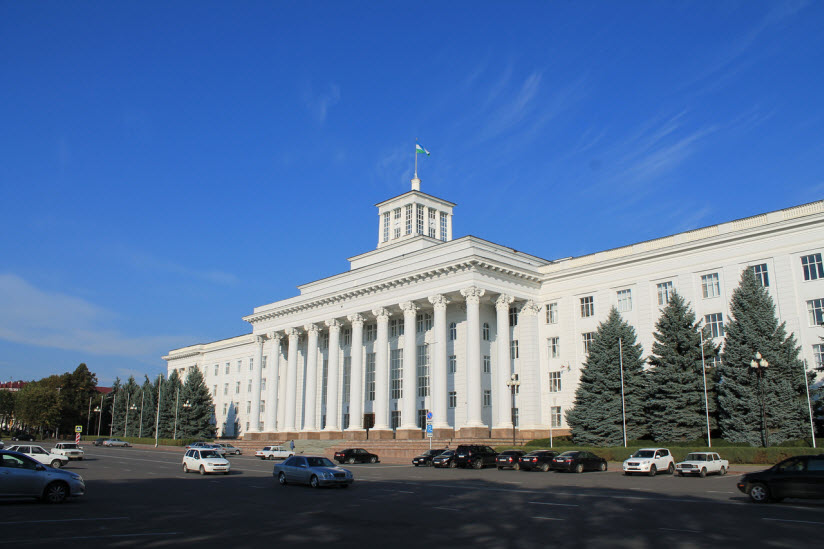 Здание республиканского парламента