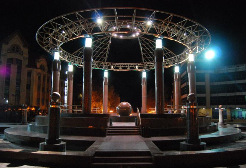 фото фонтана в Ханты-Мансийске