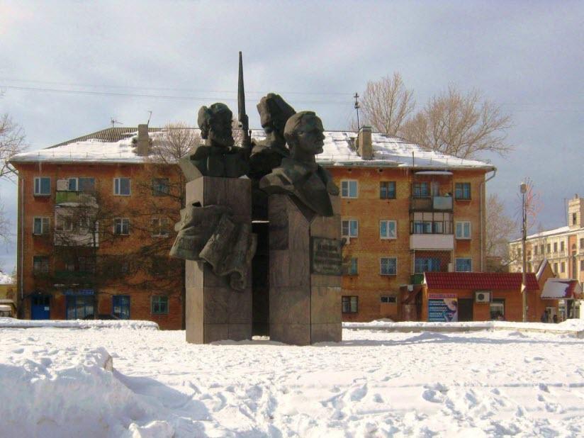 Памятник делегатам II Съезда Советов
