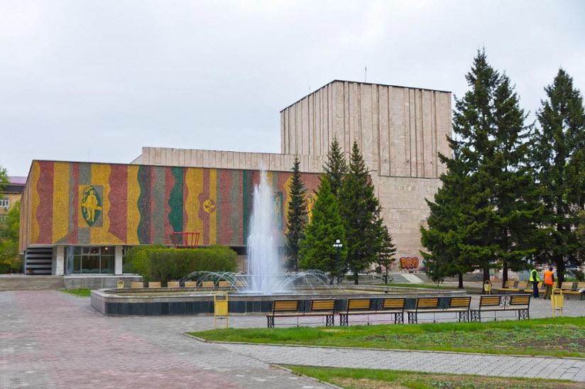 Здание ХДТ