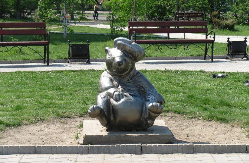 Памятник сурку