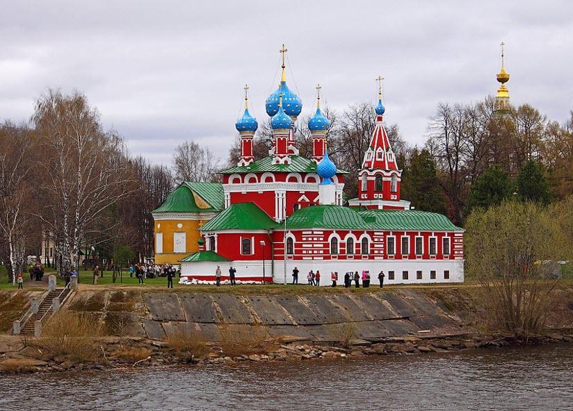 Храм Дмитрия на Крови