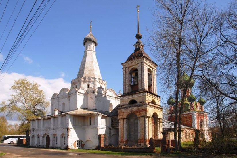 Храм Петра митрополита