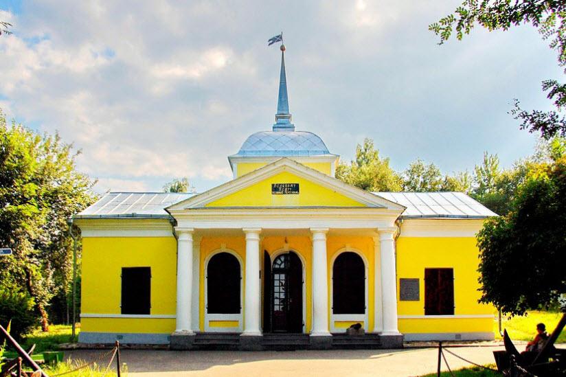 Музей «Ботик Петра I»