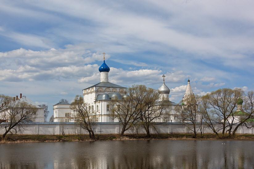 Свято-Троицкая Данилова обитель