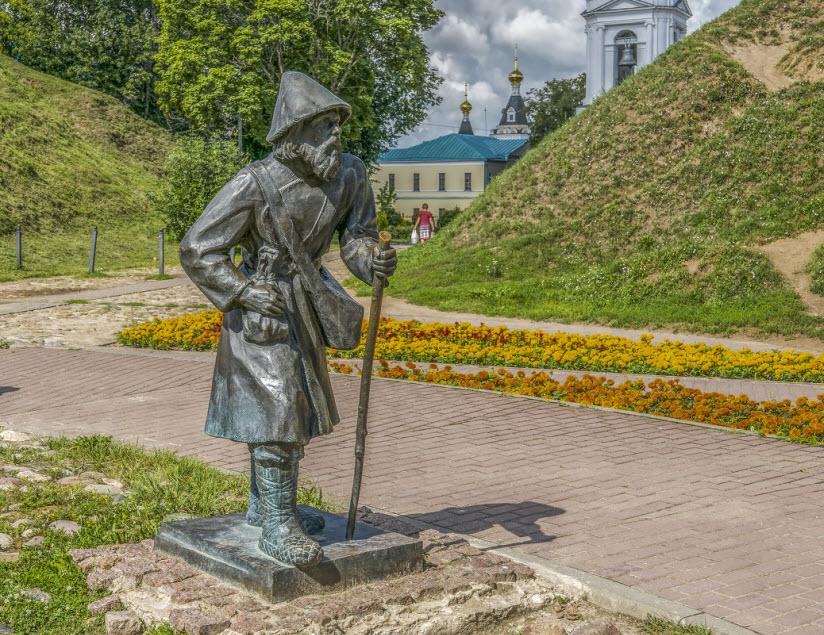 богомолец на Кропоткинской улице