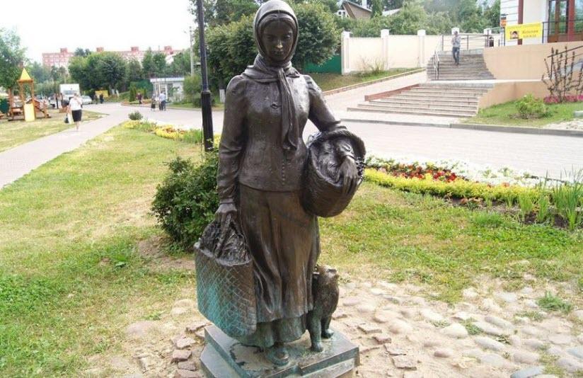 бронзовые скульптуры на Кропоткинской улице