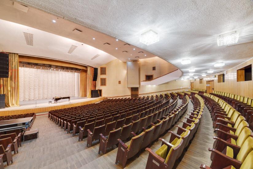 Концертный зал городской филармонии