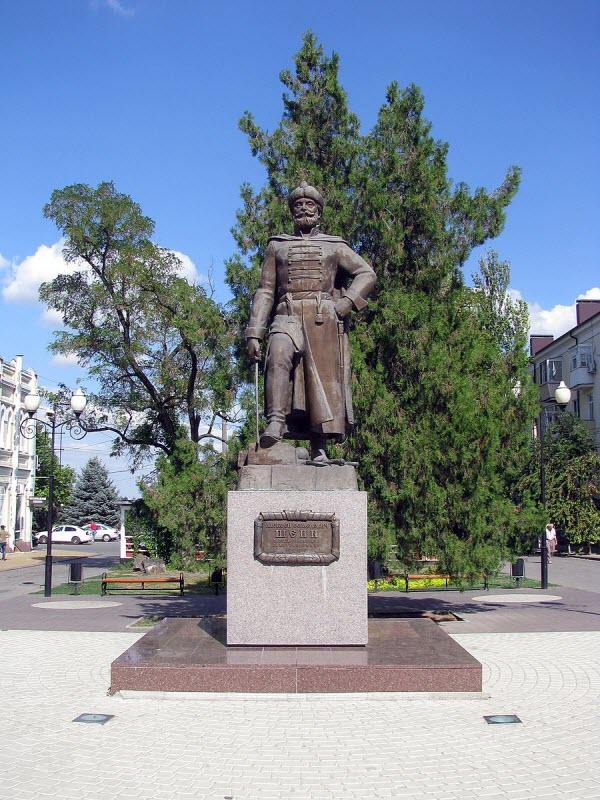 Памятник А.С Шеину