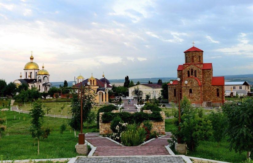 Петропавловский храмовый комплекс
