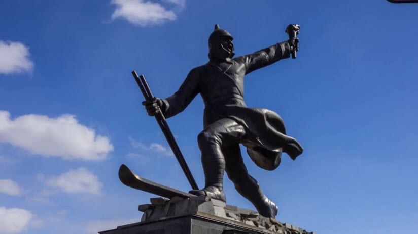 Памятник участникам ледового похода