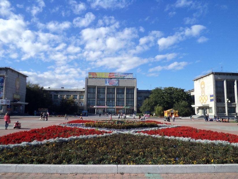 Площадь Юности