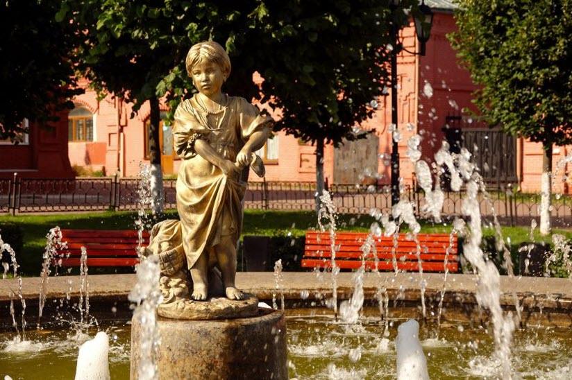 фонтан «Девочка-грибница»