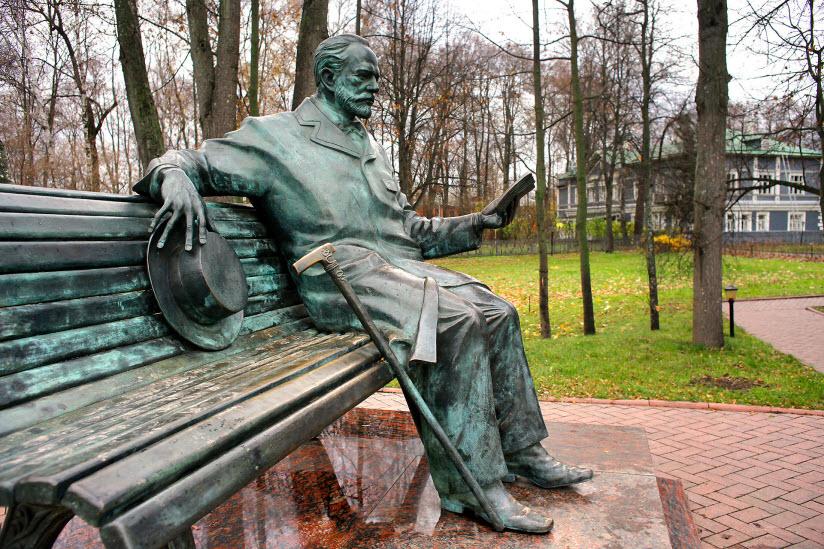 Памятники П.И. Чайковскому