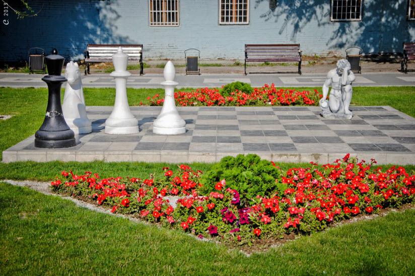 аллеями парка Горького