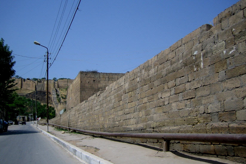 Баят-Капы в Нарын-Кала