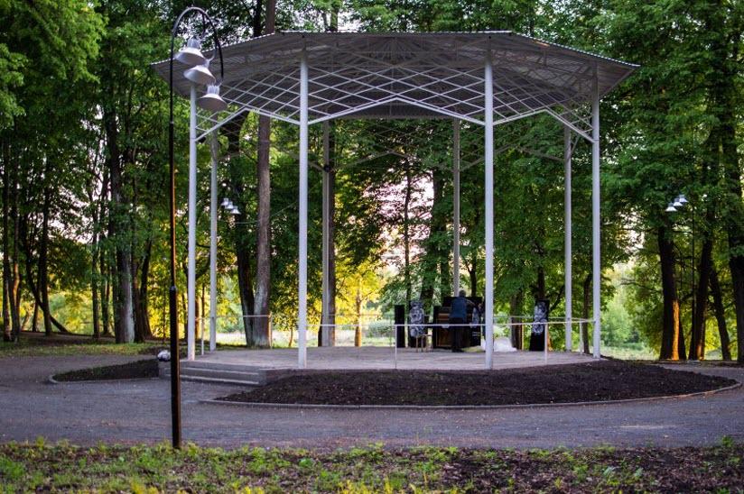 беседка в парке Воровского