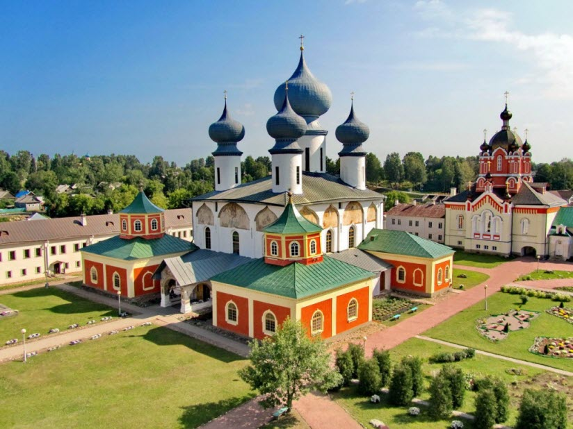 Богородичный Успенский мужской монастырь