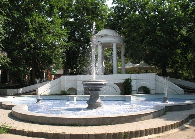 фонтан у Ротонды