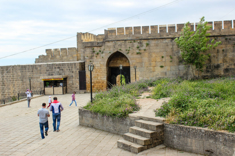 фото крепости Нарын-Кала внутри