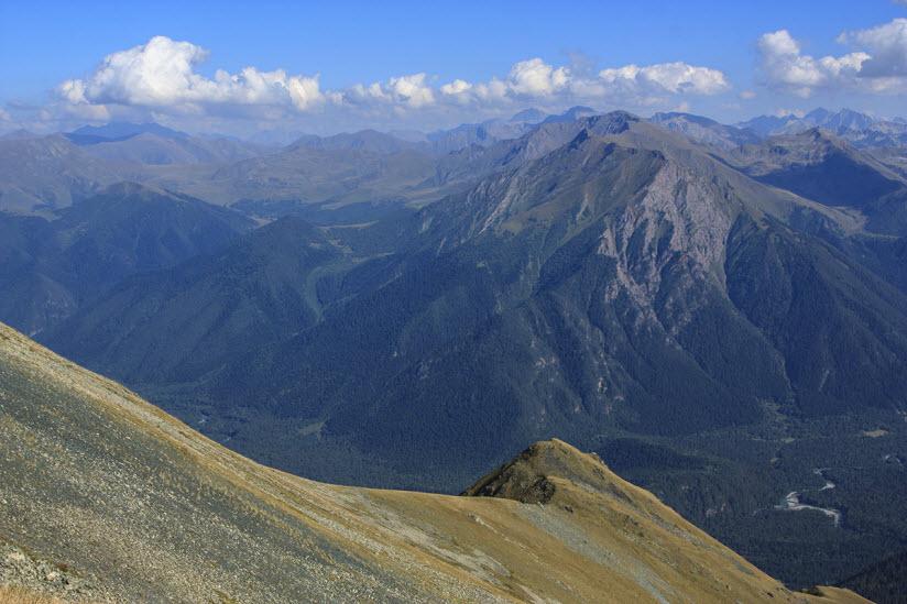 хребет Абишир-Ахуба