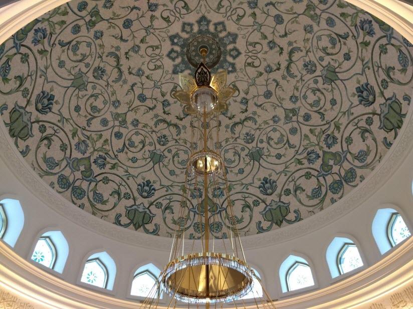 Ирек - мечеть на Кремлевской набережной Казани