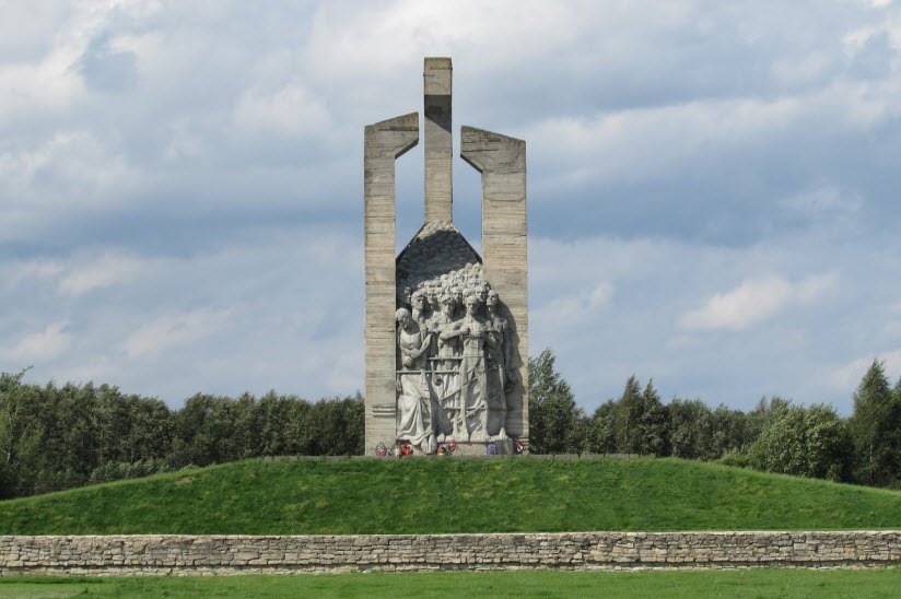 Мемориальный комплекс «Дулаг-100»