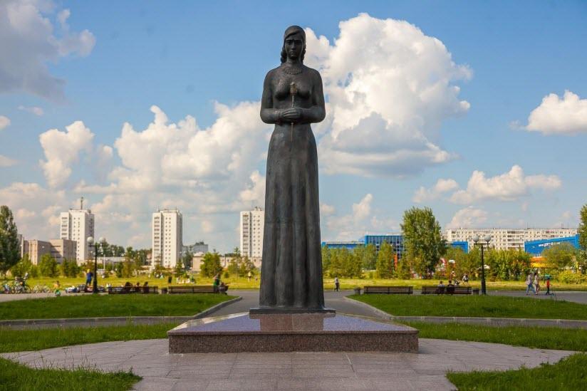 монумент Скорбящая вдова